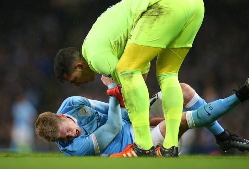 デ・ブライネ、ひざのじん帯負傷で今季絶望か…マンC監督は「楽観視」