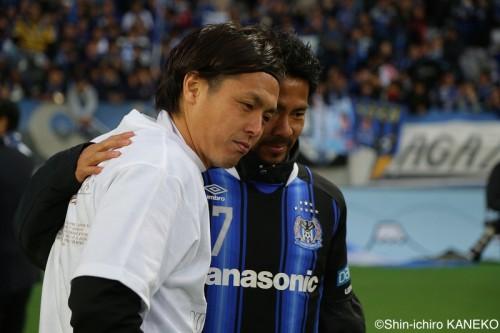 退団濃厚の明神ユニで天皇杯掲げた遠藤「一緒にプレーしたかった」