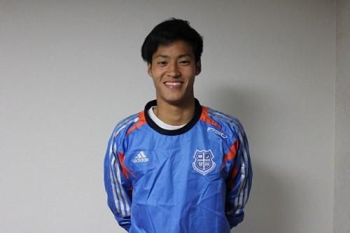 """大学サッカー4冠を達成して""""古巣""""神戸に帰還、関西学院大のMF小林成豪「目標はスタメン定着。開幕戦から試合に出たい」"""