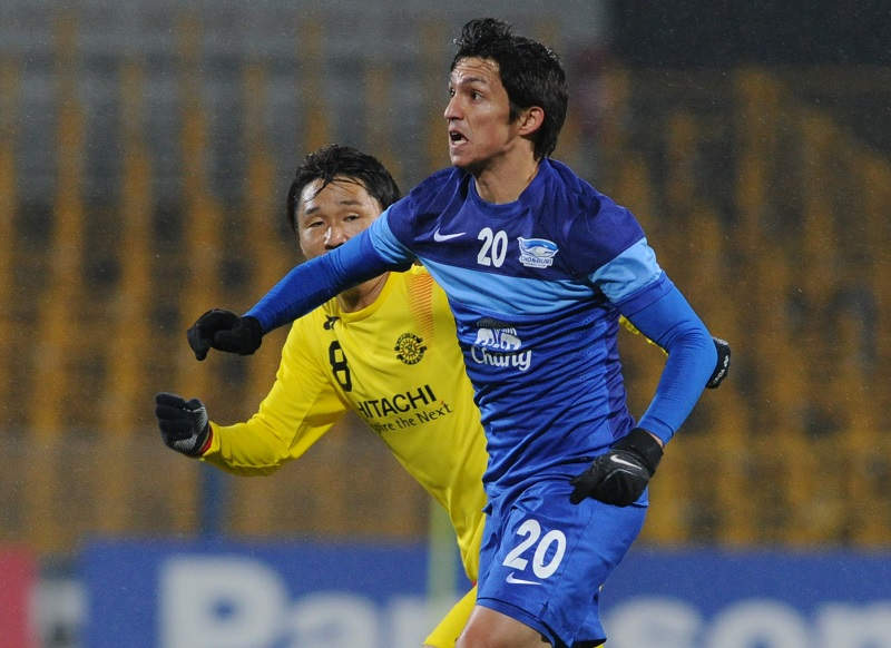 XXX of XXX --- during the AFC Champions League playoff round match between Kashiwa Reyson and Chonburi FC at Hitachi Kashiwa Soccer Stadium on February 17, 2015 in Kashiwa, Japan.