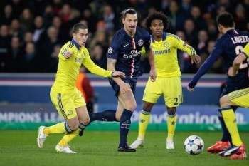 (L-R) Eden Hazard of Chelsea, Zlatan Ibrahimovic of Paris Saint Germain, Willian of Chelsea during the champions laegue match between Paris Saint Germain and Chelsea at Parc des Princes on February 17, 2015 in Paris, France(Photo by VI Images via Getty Images)