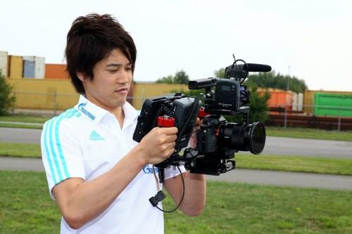 内田、復帰は最短で2週間後と明かす…女性ファン殺到の話題にはタジタジ