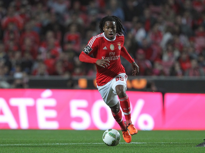 LISBON, PORTUGAL - JANUARY 23: Benfica's midfielder Renato Sanches during the match between SL Benfica and FC Arouca at Estadio da Luz on January 23, 2016 in Lisbon, Portugal.  (Photo by Carlos Rodrigues/Getty Images)