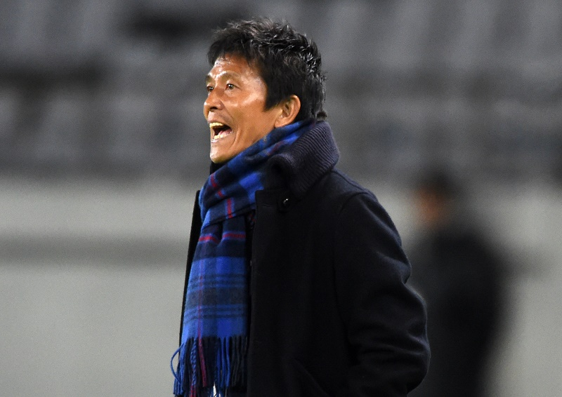 CHOFU, JAPAN - FEBRUARY 09:  Hiroshi Jofuku,coach of FC Tokyo looks on during the AFC Champions League playoff round match between FC Tokyo and Chonburi FC at the Tokyo Stadium on February 9, 2016 in Chofu, Japan.  (Photo by Etsuo Hara/Getty Images)