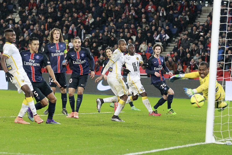PARIS, FRANCE - FEBRUARY 13: David Luiz  of Paris Saint-Germain hits the post during the French   Ligue 1 between Paris Saint-Germain and Lille OSC at Parc Des Princes on february 13, 2016 in Paris, France.  (Photo by Xavier Laine/Getty Images)