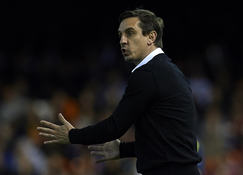 VALENCIA, SPAIN - FEBRUARY 13:  Gary Neville manager of Valencia CF gives instructions during the La Liga match between Valencia CF and RCD Espanyol at Estadi de Mestalla on February 13, 2016 in Valencia, Spain.  (Photo by Manuel Queimadelos Alonso/Getty Images)