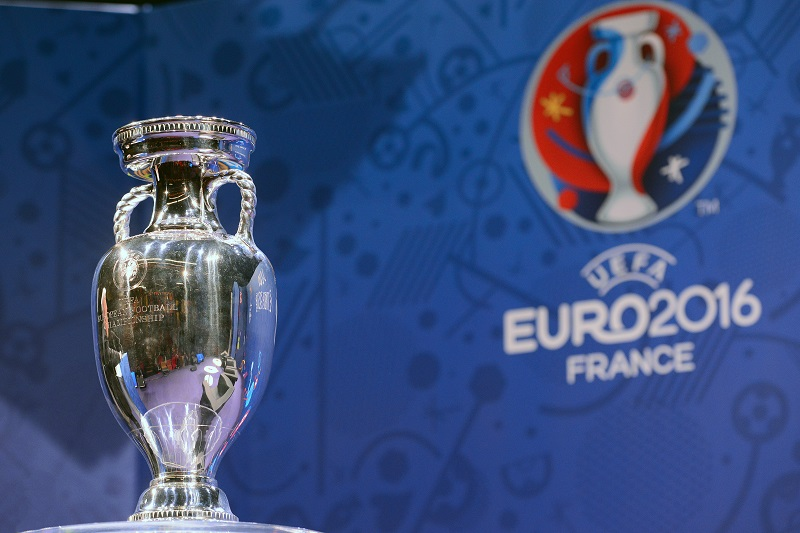 PARIS, FRANCE - MARCH 02: The trophy pictured during a press conference on the occasion of 100 days before UEFA EURO 2016 at Maison de la Radio on March 2, 2016 in Paris, France.  (Photo by Frederic Stevens/Getty Images)