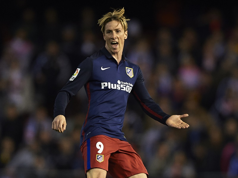 VALENCIA, SPAIN - MARCH 06:  Fernando Torres of Atletico de Madrid reacts during the La Liga match between Valencia CF and Atletico de Madrid at Estadi de Mestalla on March 06, 2016 in Valencia, Spain.  (Photo by Manuel Queimadelos Alonso/Getty Images)