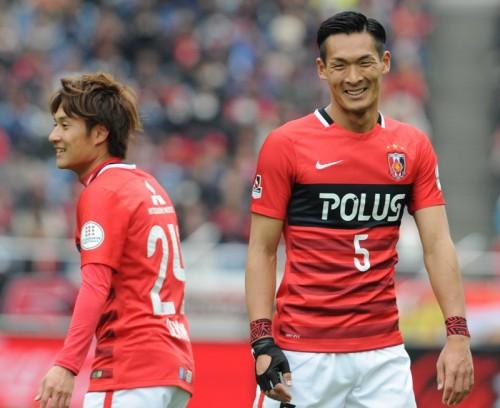 今季ホーム戦初勝利…浦和DF槙野が親友・井岡に向けてボクシングパフォ披露