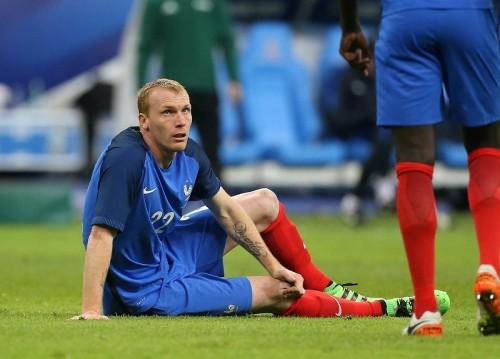"""バルセロナDFマチュー、右ひざ負傷で手術へ…""""クラシコ""""出場は絶望的"""