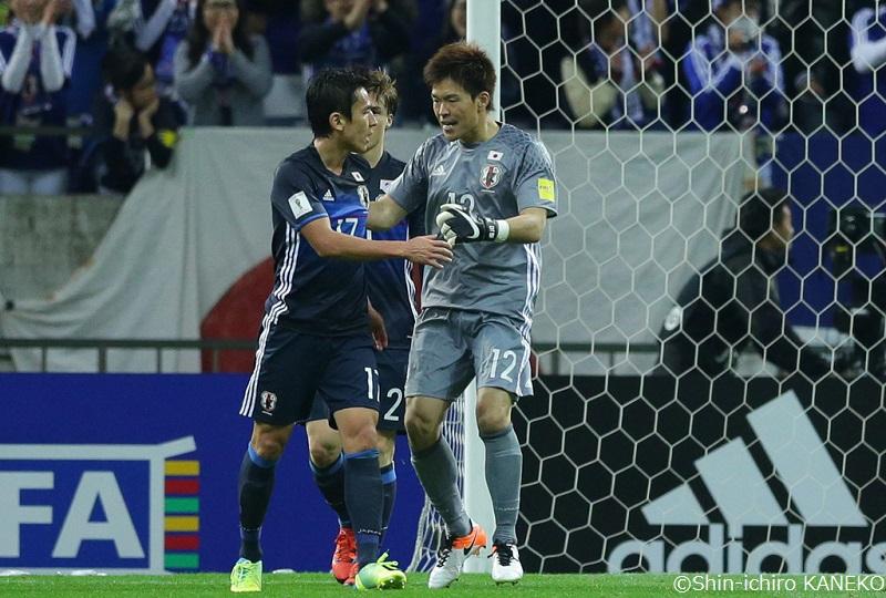 主将を譲った長谷部が岡崎を称賛「大事な場面でチームを救ってきた」