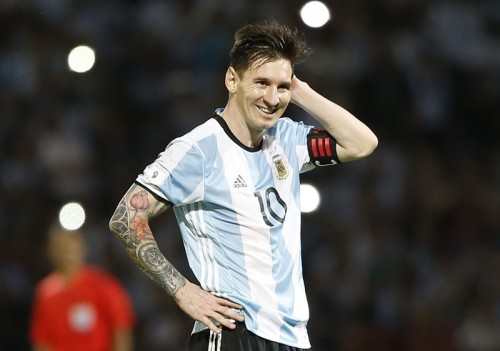 メッシ、ボリビア代表主将の握手を拒否?…W杯南米予選で珍事発生