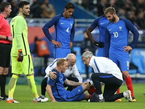 バルサ、仏代表DFマチューが6週間以上の離脱…右ひざ手術成功