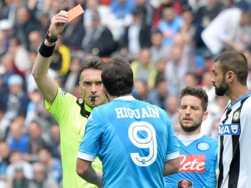 元イタリア代表MF、イグアインの退場処分に疑問「公平性が必要」