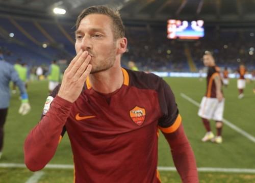 退団報道から一転…3戦3発と好調のトッティ、ローマと契約更新へ