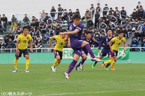 公式戦初得点を挙げた丹羽、岩田ら新戦力が躍動…明治大が慶應大に完勝