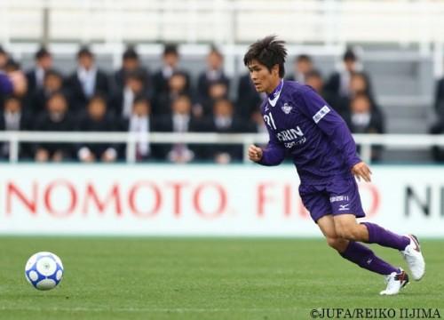 FC東京加入を見送り明治大進学を選択した佐藤亮が1年生唯一の開幕デビュー