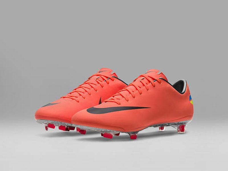 2011_Nike_Mercurial_Vapor_V