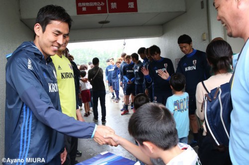 キリン杯に向けて日本代表が始動…熊本地震の義援金募金、キリングループから激励も