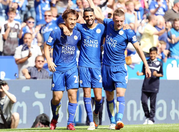左から岡崎、マフレズ、ヴァーディ。この3人でリーグ戦計44得点を挙げている [写真]=Leicester City FC via Getty Images