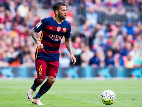 バルサのD・アウヴェスがユーヴェ移籍か…3年契約締結目前とスペイン紙