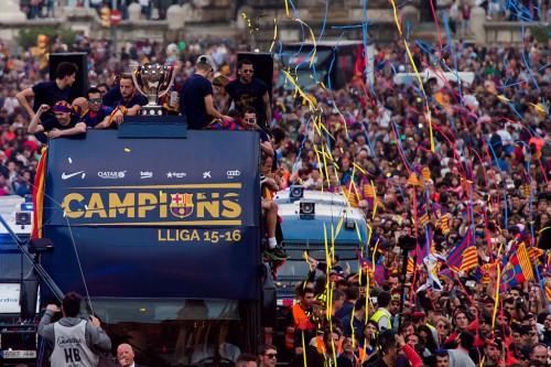 【写真11枚】バルセロナ、2015-16リーガ優勝記念パレード
