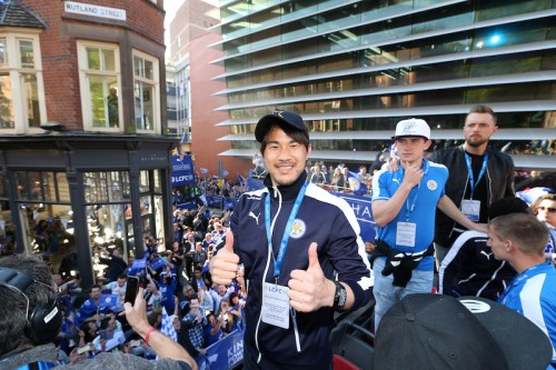 パレードでファンに圧倒された岡崎「どれだけの人が喜んでくれたか実感した」