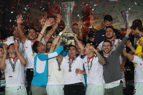 セビージャ、EL史上初の3連覇達成…後半3発でリヴァプールに逆転勝利