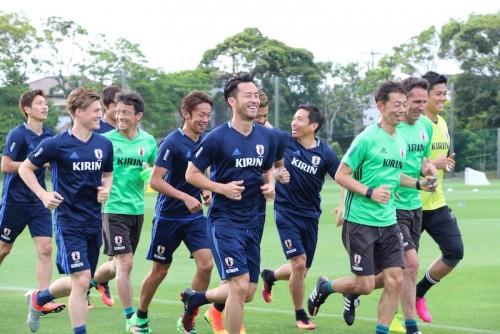 新戦力に積極性を求める吉田麻也「W杯まで突き抜ける気持ちで」