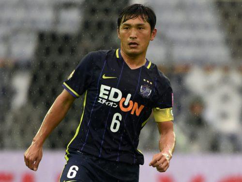 広島に痛手、主将MF青山敏弘が全治4週間の離脱…浦和戦で負傷