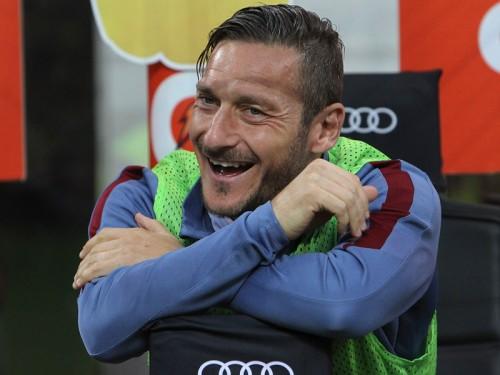 トッティの契約延長が発表、ローマ一筋25年目へ…来季限りで引退か