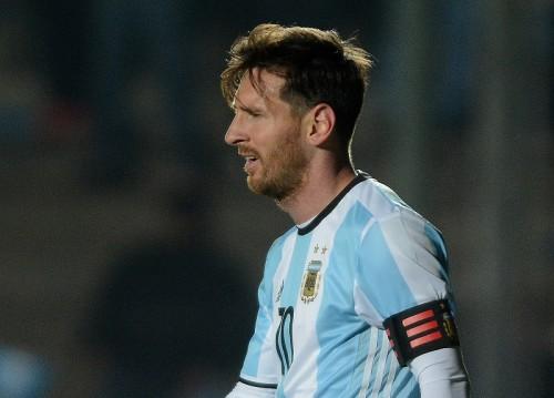 負傷が癒えないメッシ、チームに合流も別メニュー…チリ戦は欠場か