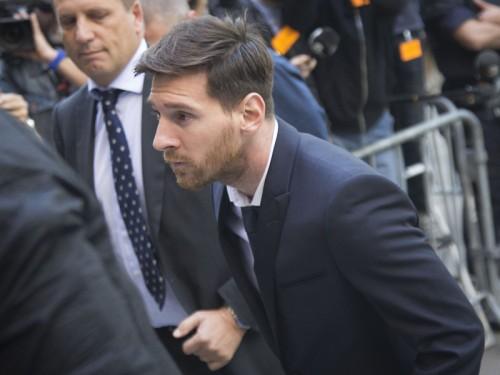 裁判でスペインに嫌気?…メッシ、来夏にマンU移籍の可能性浮上か