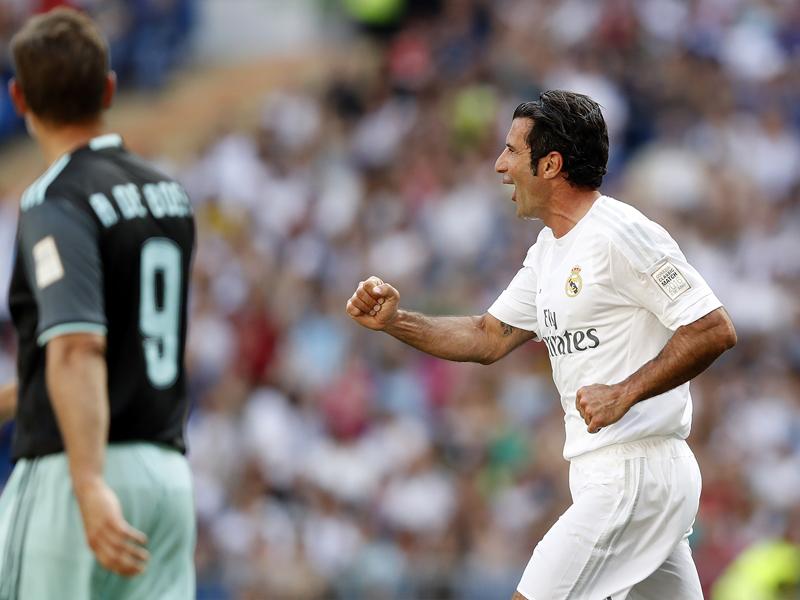 同点ゴールを決めて喜ぶフィーゴ [写真]=Real Madrid via Getty Images