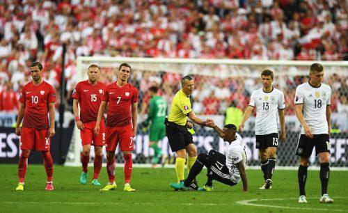 ドイツとポーランドの首位対決はドロー決着…両者決め手を欠いてスコアレス