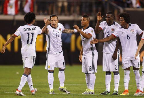 コロンビア、王者チリとの準決勝に向けて始動…ファンも声援を送る