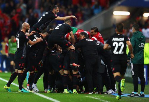 """初出場アルバニアが歴史的勝利でA組3位に…""""苦手""""ルーマニアに競り勝つ"""