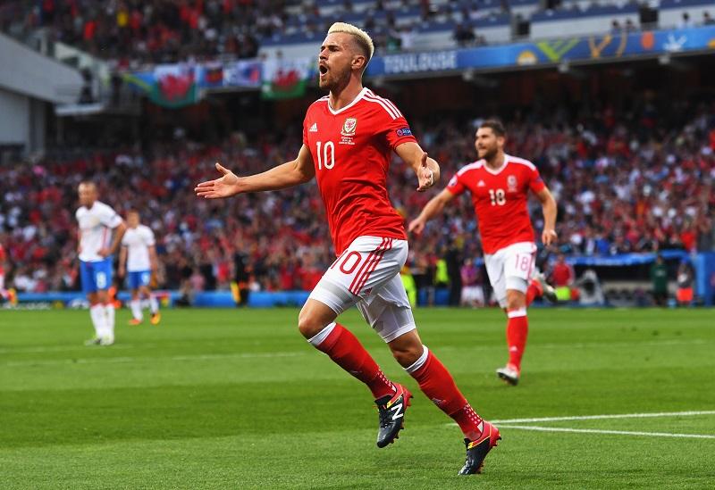 先制ゴールを挙げて喜ぶウェールズ代表MFラムジー [写真]=Getty Images