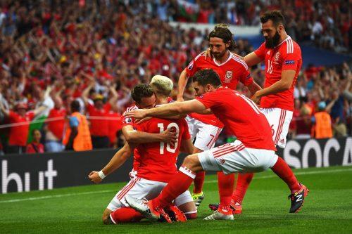ウェールズが決勝T進出、ベイル3戦連発弾など3発完勝…ロシアは予選敗退