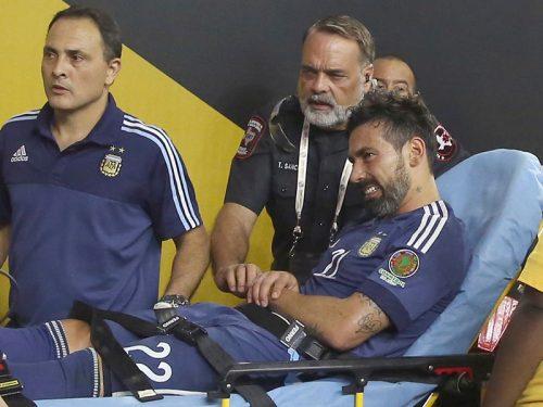 看板と激突して落下…ラベッシがひじ骨折で手術か、コパ決勝欠場へ