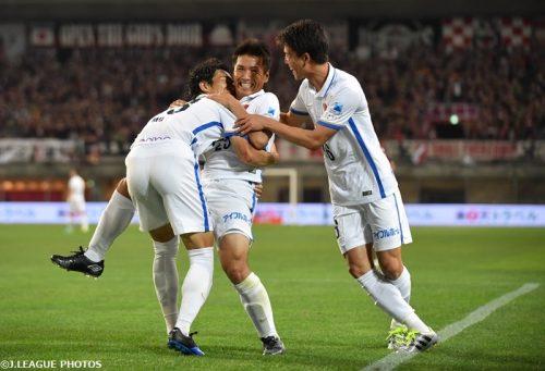 鹿島が逆転首位浮上、ステージ優勝に王手…神戸撃破で5連勝