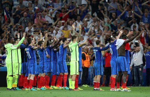"""フランスがアイスランドの手拍子を""""パクる""""?…本家は喜びのツイート"""