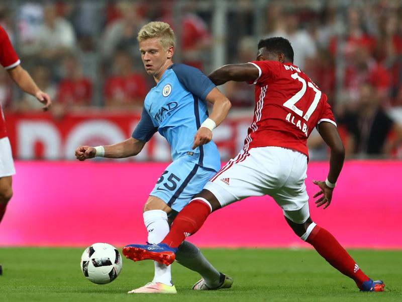 先発出場したマンC新加入のジンチェンコ(左) [写真]=Getty Images for FC Bayern