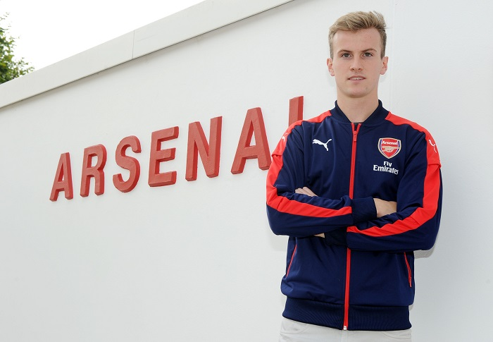 Arsenal Unveil New Signing Rob Holding