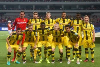 SHANGHAI, CHINA - JULY 22:  Borussia Dortmund players line up prior to the 2016 International Champions Cup China match between Manchester United and Borussia Dortmund at Shanghai Stadium on July 22, 2016 in Shanghai, China.  (Photo by VCG/VCG via Getty Images)
