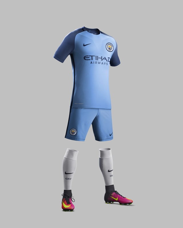 Su16_CK_Comms_H_Full_Body_Match_Man_City_R_original
