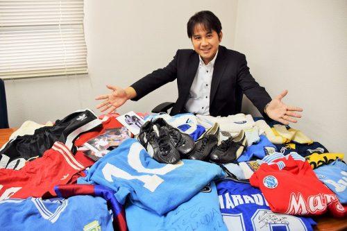 【インタビュー】マラドーナグッズ最強コレクターは日本にいた!? お宝秘蔵コレクションを拝見!