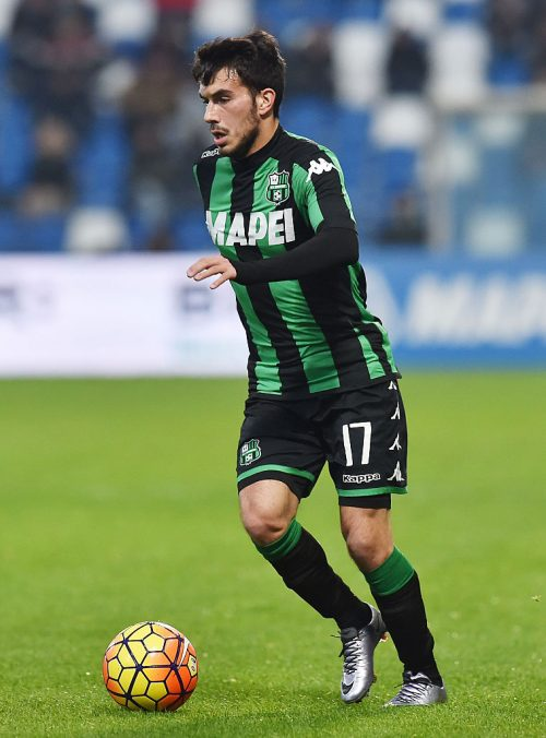 REGGIO NELL'EMILIA, ITALY - JANUARY 06: Nicola Sansone of Sassuolo in action during the Serie A match between US Sassuolo Calcio and Frosinone Calcio at Mapei Stadium - Città del Tricolore on January 6, 2016 in Reggio nell'Emilia, Italy.  (Photo by Giuseppe Bellini/Getty Images)