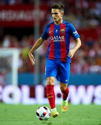 SEVILLE, SPAIN - AUGUST 14:  Denis Suarez of FC Barcelona in action during the match between Sevilla FC vs FC Barcelona as part of the Spanish Super Cup Final 1st Leg  at Estadio Ramon Sanchez Pizjuan on August 14, 2016 in Seville, Spain.  (Photo by Aitor Alcalde/Getty Images)