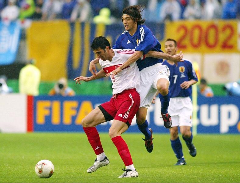 トルコ代表として2002年日韓ワールドカップに出場したシュクル氏(左) [写真]=Getty Images